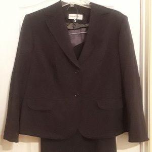 Suit......Jones New York